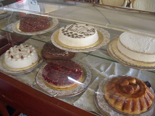 6. Neapolitan desserts…..not sugar free :((