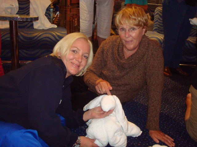 Heidi and mum and auntie are at the Towel Animal Folding Demonstration