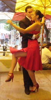 tango-dancers-on-la-boca-street