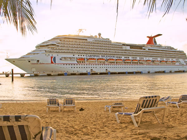 Grand_Turk_Cruise_Center19_jpg