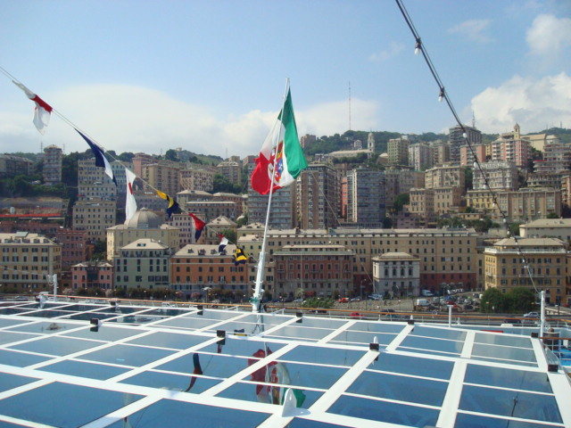 DSC03594-The Italian flag on the stern