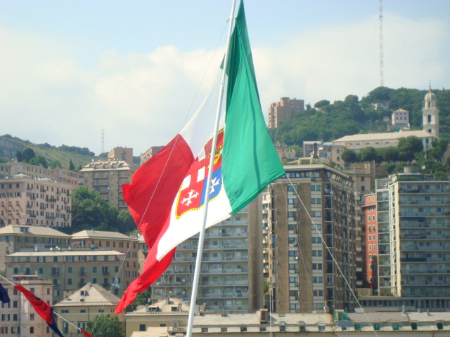 DSC03595-The Italian flag on the stern