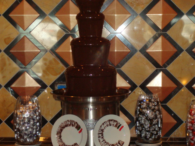 DSC03632-The Chocolate fountain at the Chocolate Bar