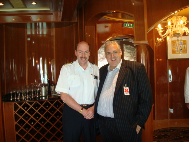 DSC03701-John and Holland America champion blogger, Captain Albert