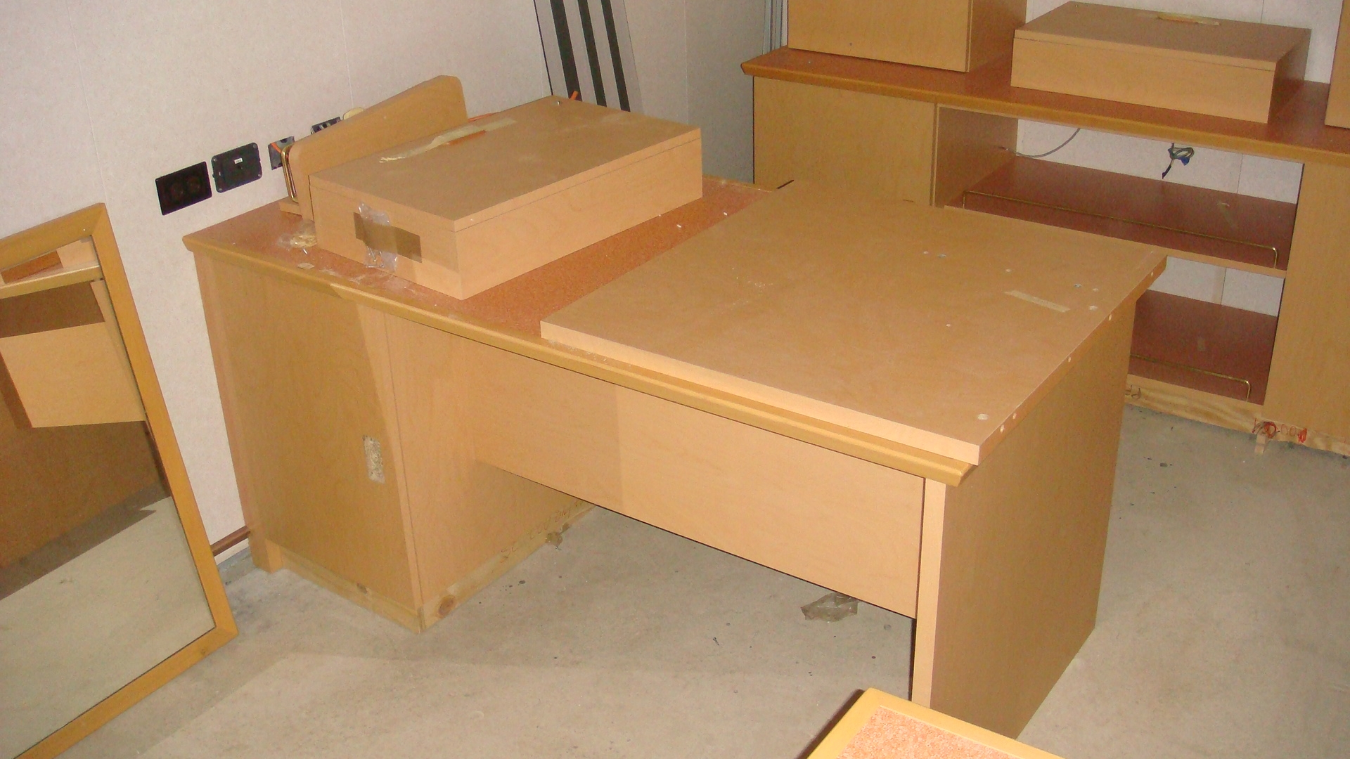 Cabin Desk 4