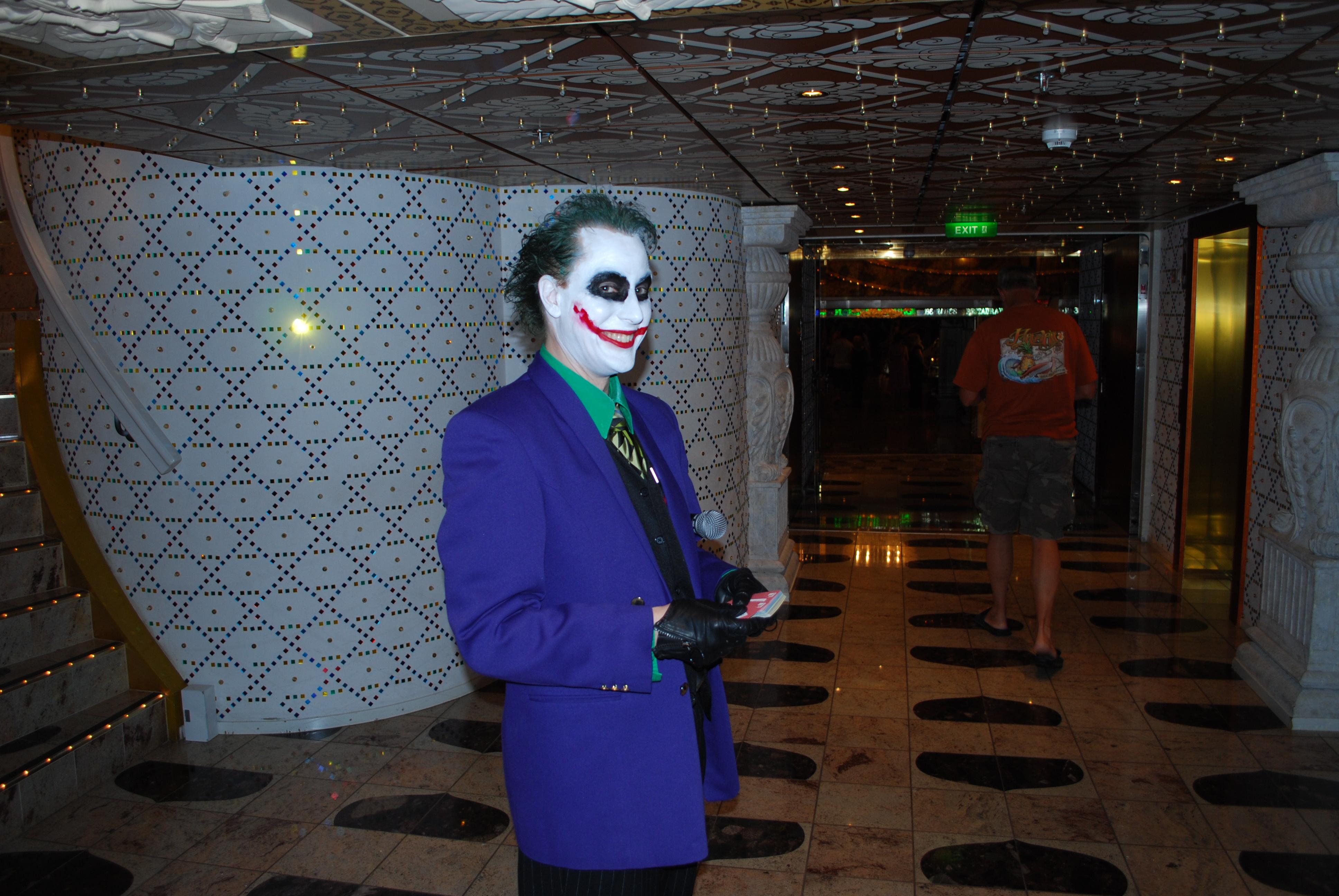 PR 10 08 p a Joker_