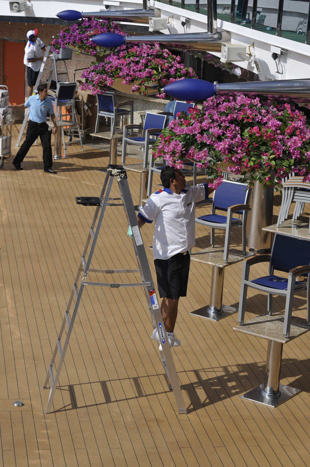 dream_lido_deck_091509_DSC1686