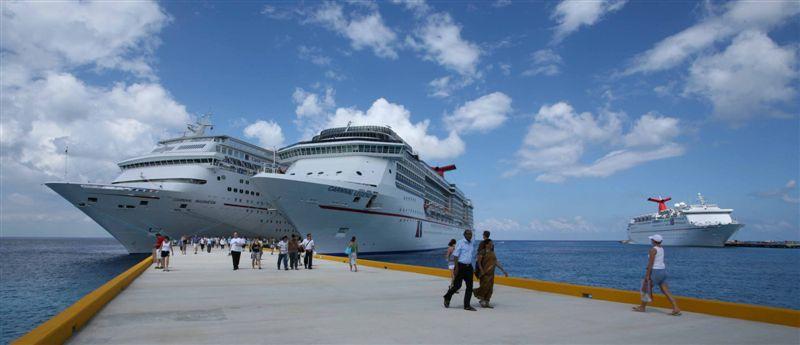 Holi 3 ships